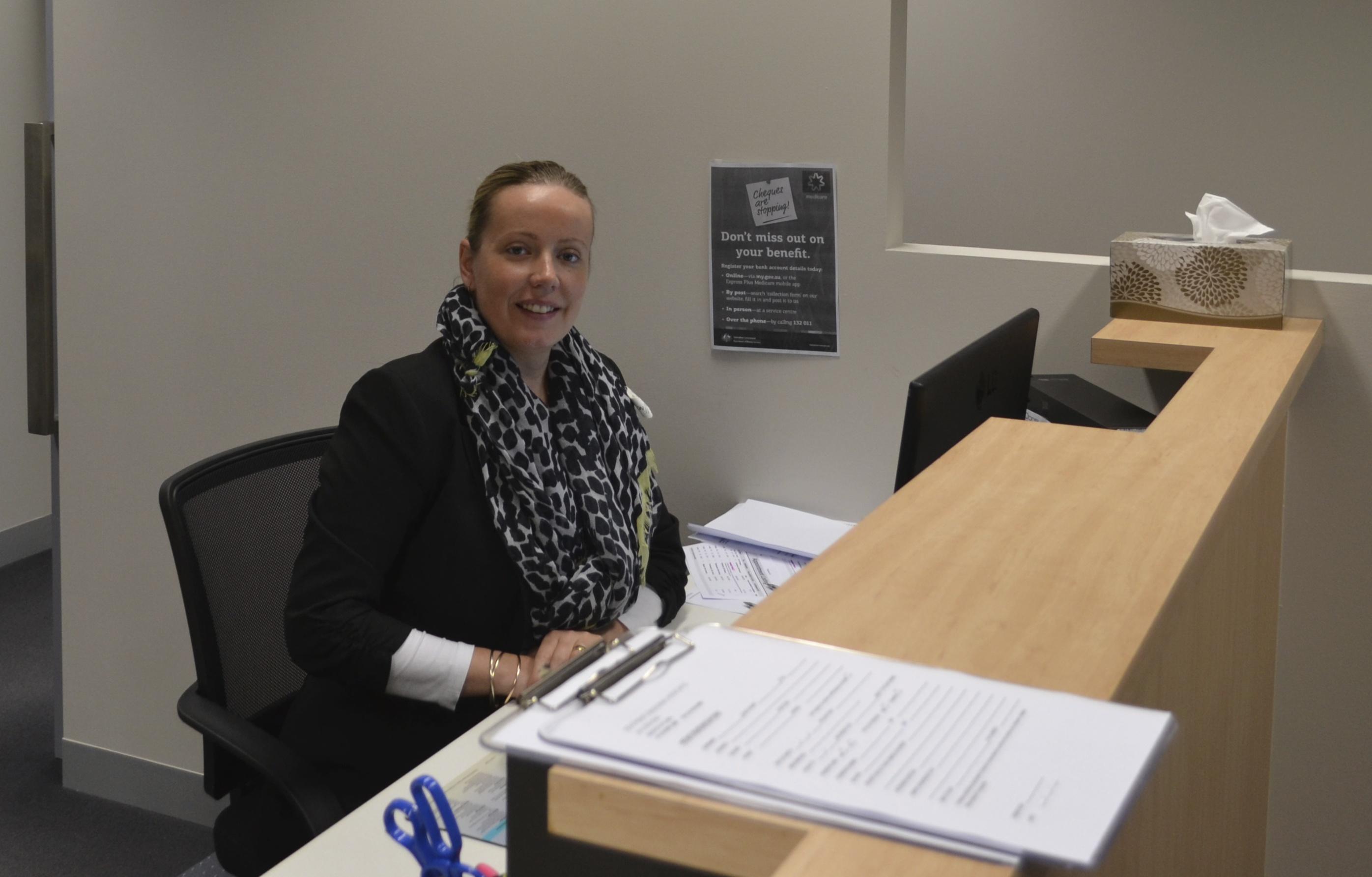 anna receptionist